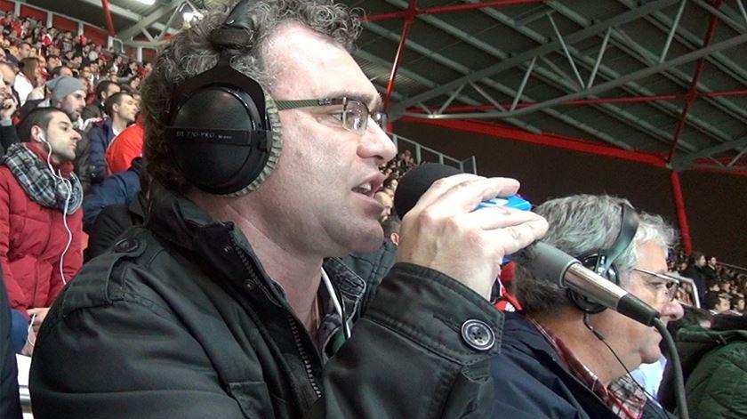 A magia da rádio num relato de futebol