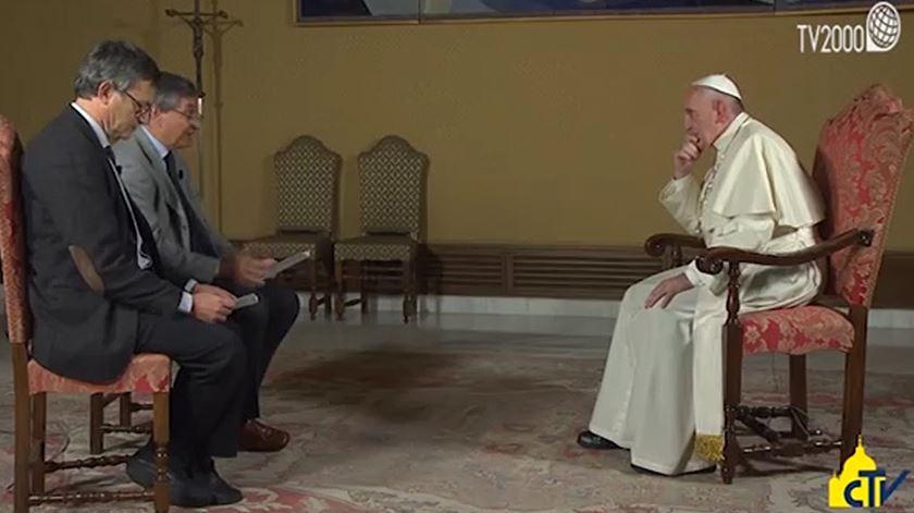 """Papa refere-se ao aborto como """"crime horrendo"""" e """"pecado gravíssimo"""""""