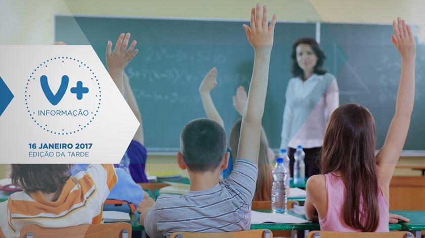"""Milhares de professores passam aos """"quadros"""", garante ministro"""