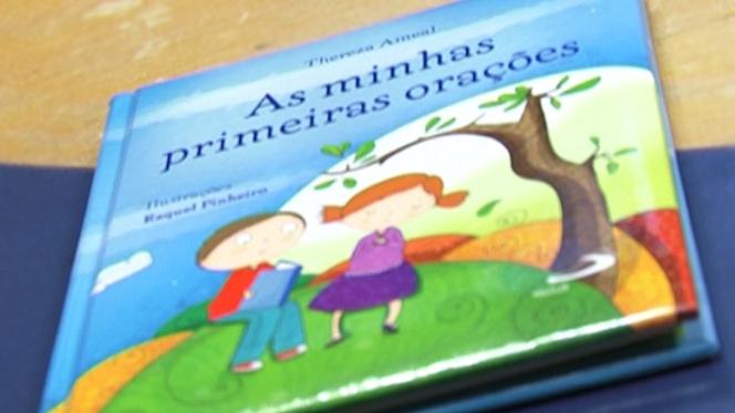 """Livro dá a conhecer um """"Deus Próximo"""" aos mais pequenos"""