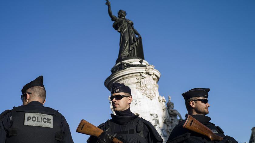Primeiro-ministro francês alerta para possibilidade de novos ataques
