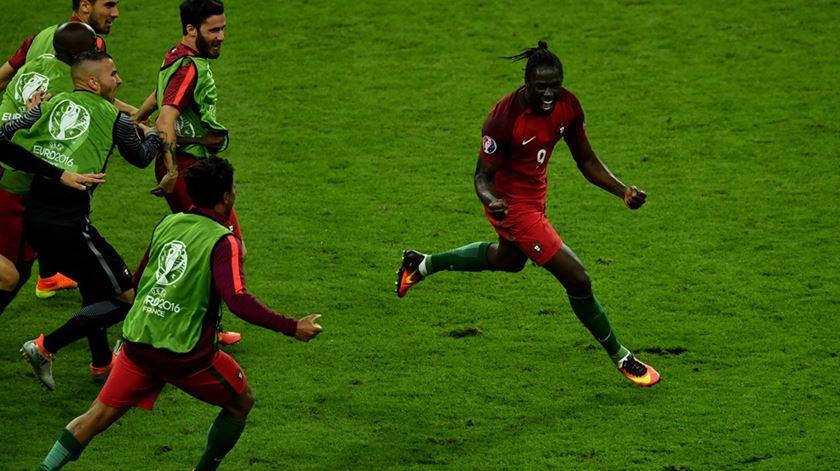 """José Mourinho: """"Entrou o Éder abençoado e foi uma vitória história"""""""