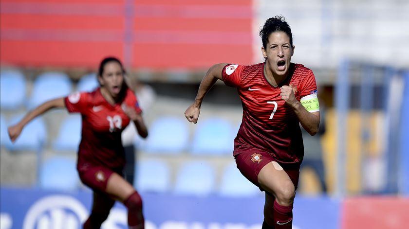 Foi um golo de Cláudia Neto que apurou Portugal para ao Europeu de 2017. Foto: Lusa