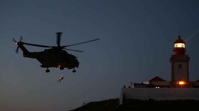 Retomadas buscas para resgatar corpos de turistas no Cabo da Roca