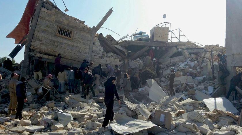 Imagem de arquivo de um hospital bombardeado em Idlib. Foto: Sam Taylor/ MSF