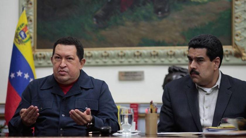 Hugo Chávez e Nicolás Maduro. Foto: DR