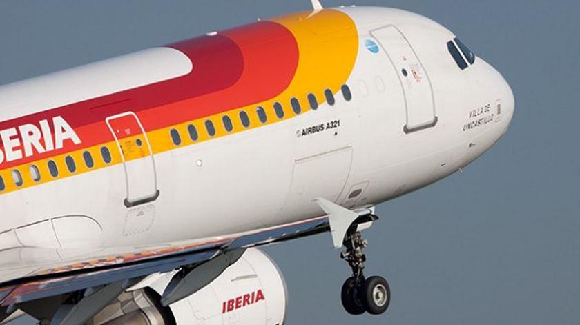 Iberia retoma voos a 1 de julho para 40 destinos incluindo Lisboa e Porto