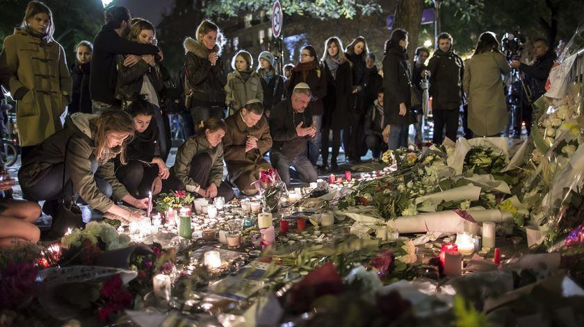 Paris está calma e solidária