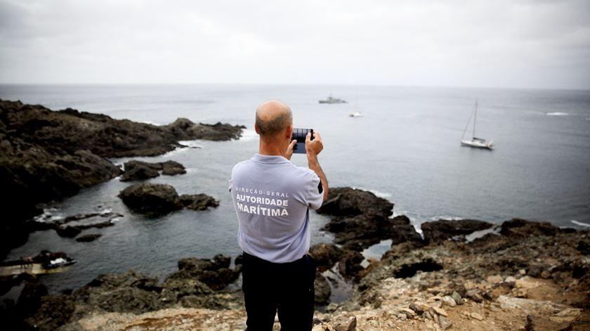 Aos dois vigilantes da natureza, em permanência na ilha há décadas, juntam-se agora dois elementos da polícia marítima. No final de Setembro chega mais um elemento da capitania do posto do Funchal