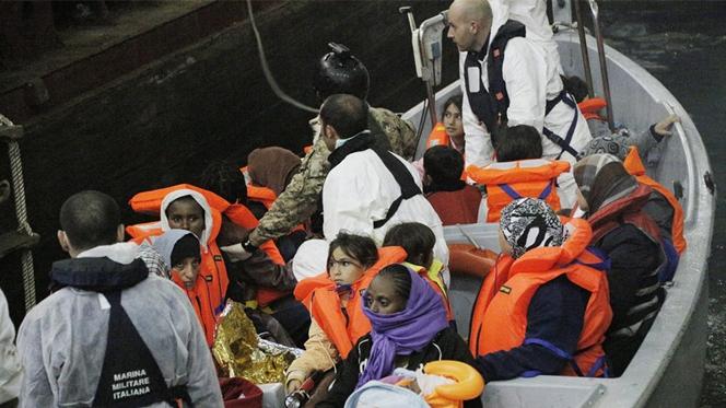 Itália detém imigrantes ilegais acusados de lançar cristãos borda fora