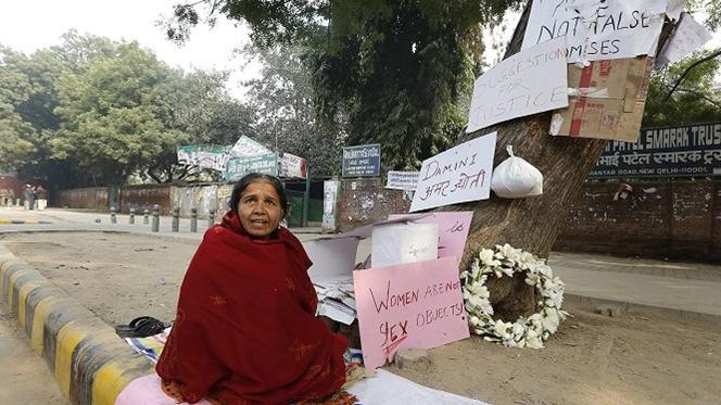 """Polícia e médicos """"humilham"""" crianças indianas que denunciam abusos"""