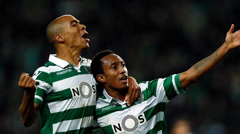 João Mário e Gelson Martins, um dos jogadores em processo de rescisão, jogaram juntos no Sporting. Foto: António Cotrim/Lusa