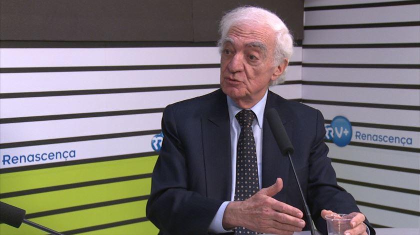 Venda do Banif está por explicar, diz João Salgueiro