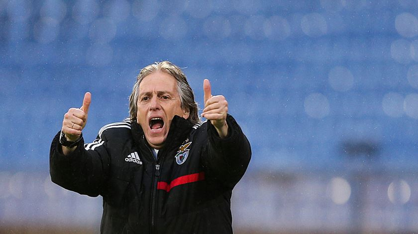 Coronavírus. Benfica envia mensagem de apoio a Jorge Jesus