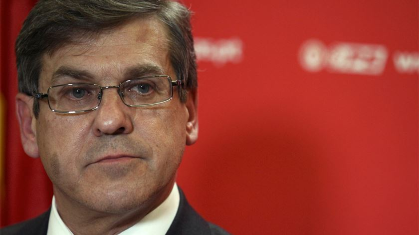 Jorge Lacão acusa Marcelo de condicionar debate sobre estatuto do MP