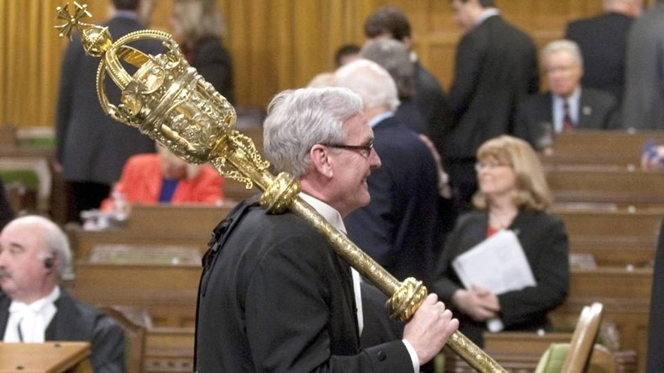 Relíquia cerimonial? Não. Herói canadiano