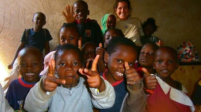 Dinheiro de portugueses ajuda crianças da maior favela do mundo