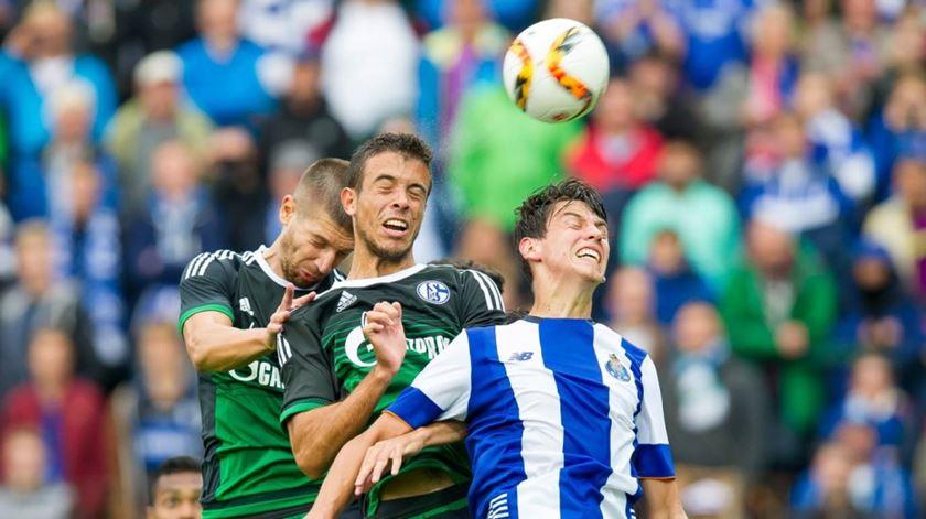Antigo jogador do FC Porto testa positivo para Covid-19