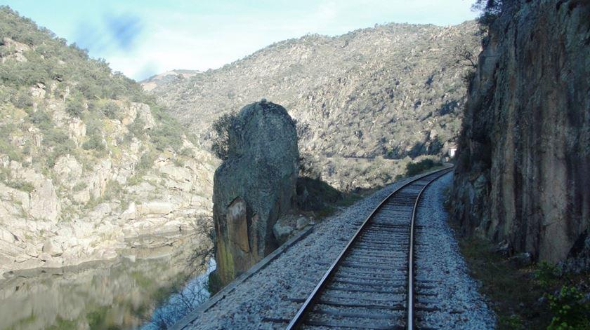 Petição pela reativação da Linha do Douro até Espanha recolhe 13.500 assinaturas