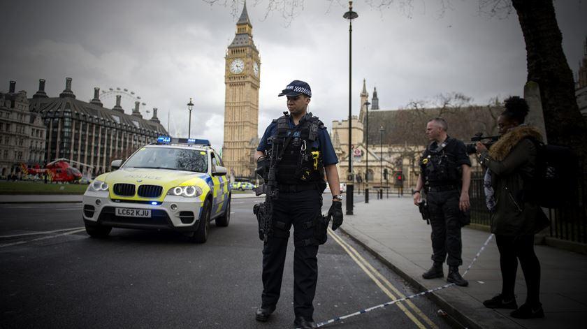 Morreu a mulher que caiu ao rio durante o ataque na ponte de Westminster
