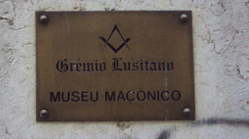 PAN quer que políticos indiquem se pertencem à Maçonaria ou Opus Dei