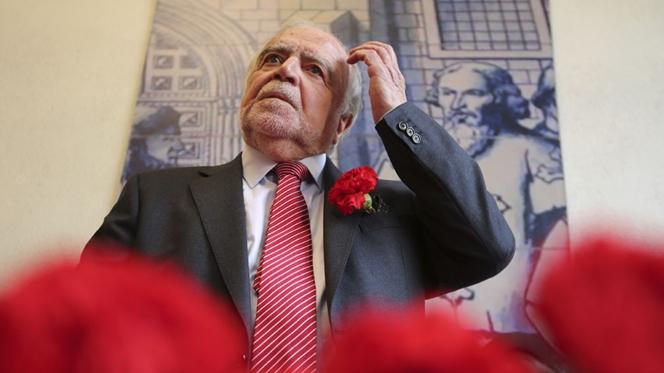 """""""O mal está aí outra vez"""". Manuel Alegre apela à resistência"""