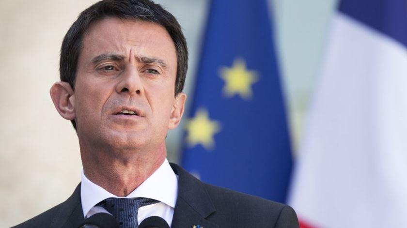 Radical planeava ataque ao Europeu de futebol, diz primeiro-ministro francês