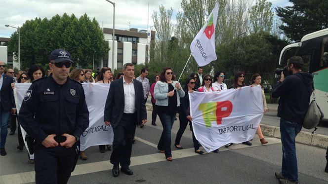 Marcha contra greve dos pilotos junta mais de 200 trabalhadores da TAP