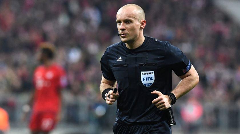 Já há árbitro para o Portugal-Sérvia