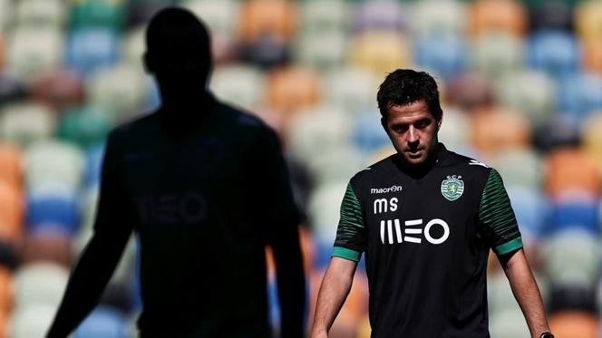 """Sporting goleia equipa """"B"""" em jogo-treino"""