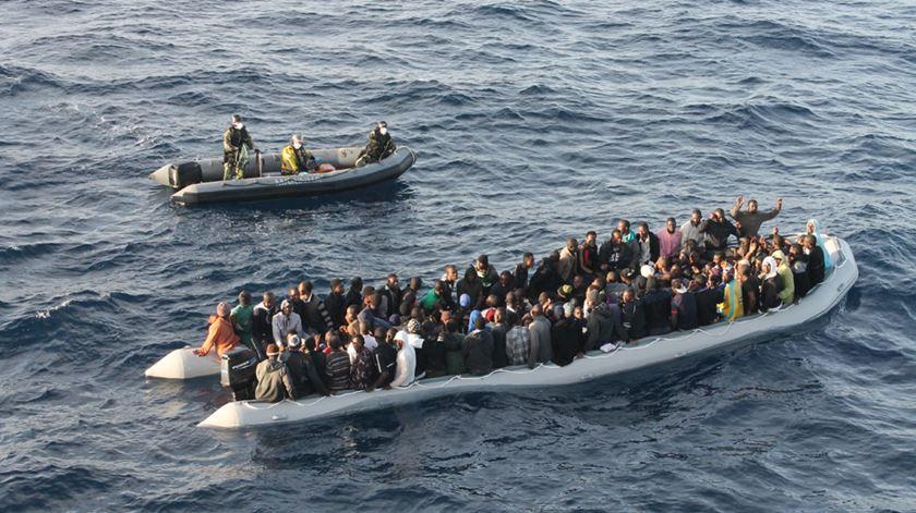 Mais de 680 pessoas já morreram no Mediterrâneo desde o início do ano