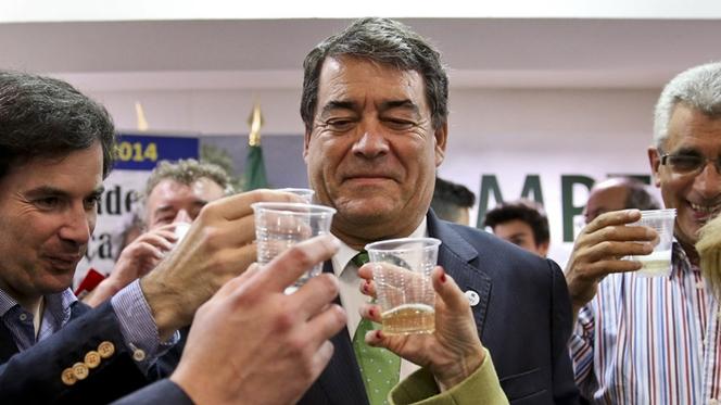 """Marinho e Pinto apoia Governo. TC deve esclarecer decisão """"ambígua"""""""