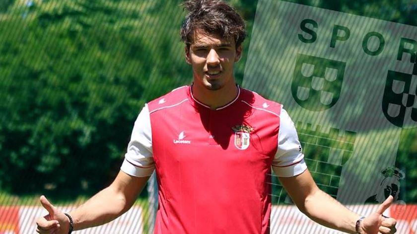 Braga vende Bakic ao Mouscron