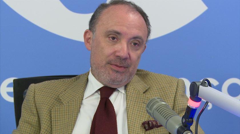 """Apelos externos à manutenção dos ingleses são """"contraproducentes"""", diz Matos Correia"""