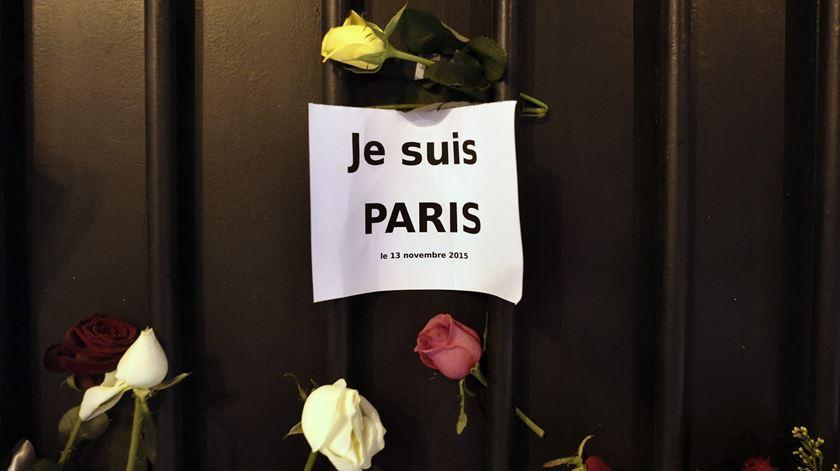 """Estudante portuguesa em Paris: """"Dizem-me para ter cuidado, mas com o quê?"""""""