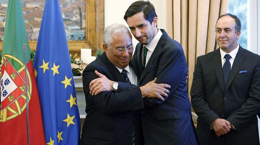 Costa assegura solução para lesados do BES