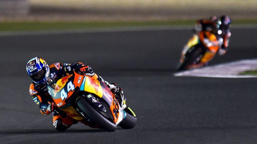 Miguel Oliveira corre com a KTM número 44. Foto: EPA