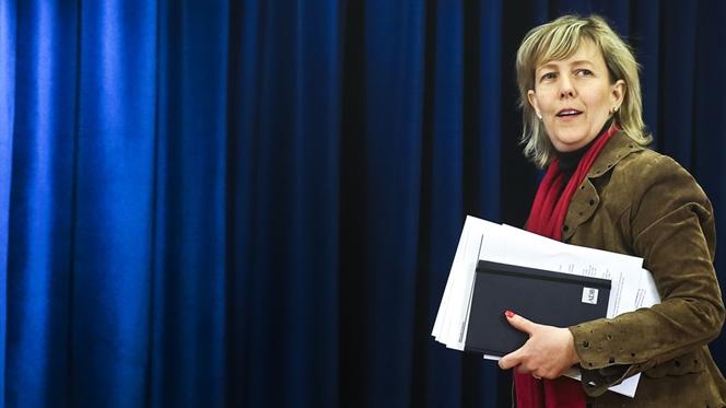"""Ministros cortam 1.400 milhões sem """"sacrifícios adicionais para contribuintes"""""""