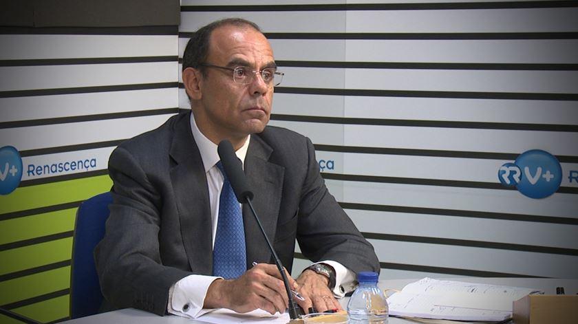 """Morais Sarmento.""""Marcelo corre riscos e não devia ter estado no processo BPI"""""""