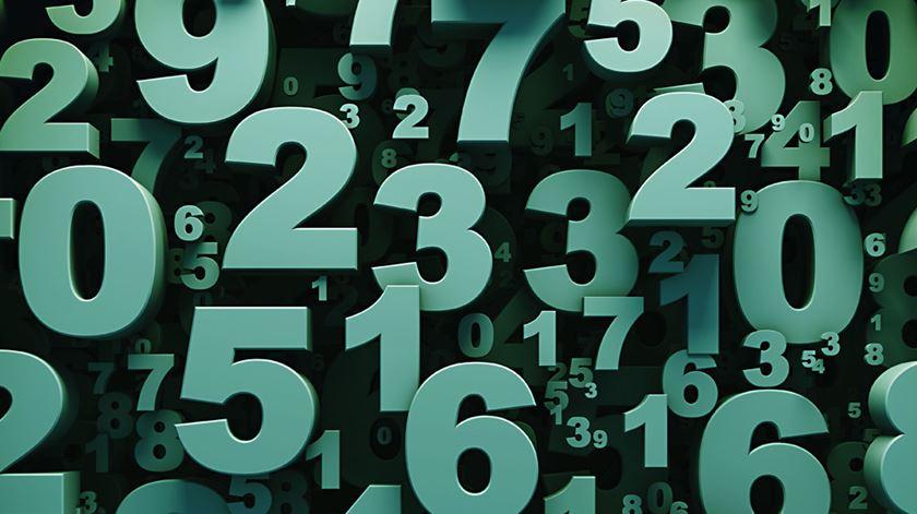 Quantas histórias contam um número?