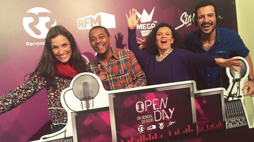 """""""Muitos, muitos, muitos microfones!"""" O OpenDay da Renascença"""