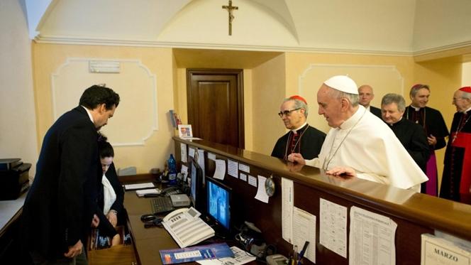 Dez gestos inesperados de um Papa surpreendente