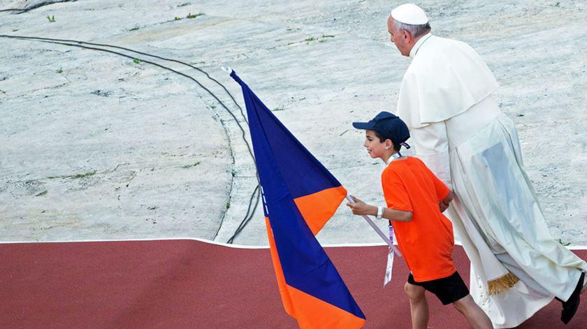 """JMJ 2022. Vaticano desafia jovens a """"levantar-se"""" rumo a Lisboa"""