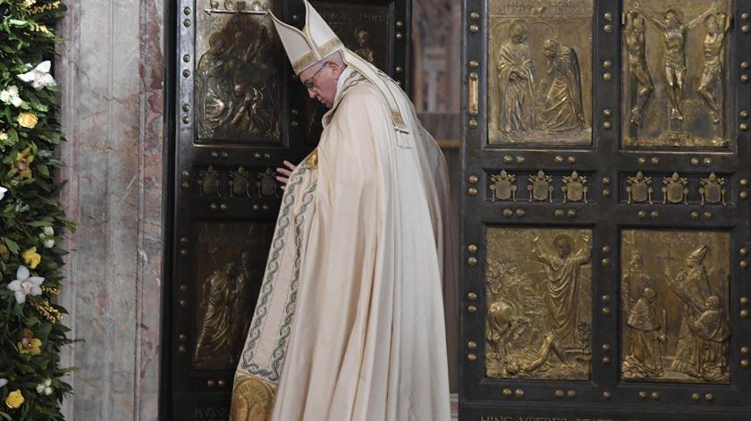 """Está encerrado o Ano da Misericórdia. Que """"não se fechem as portas da reconciliação e do perdão"""""""