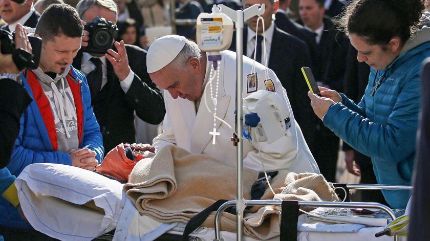 O Papa pede generosidade e gratuidade para com os doentes. Foto: DR