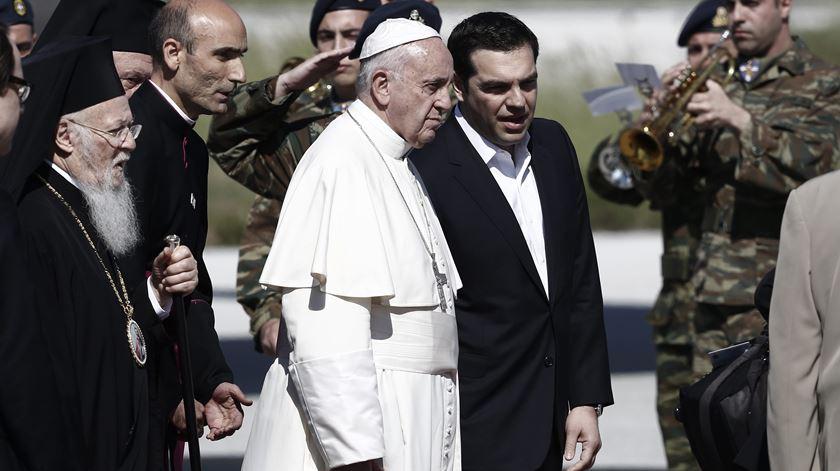 Papa elogia atitude humanista dos gregos à chegada a Lesbos