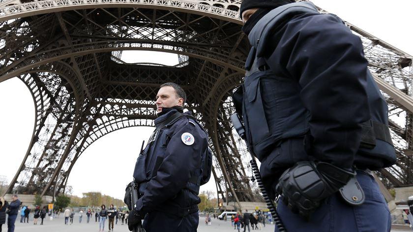 O alvo seria o coração da capital francesa. Foto: EPA