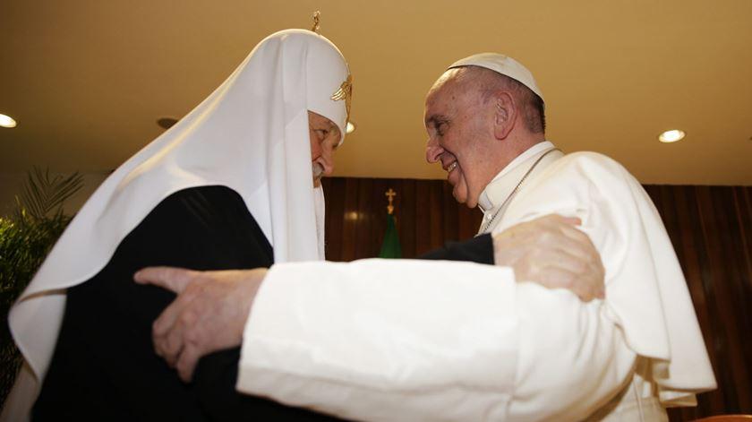 Ortodoxos querem aprofundar diálogo com Roma, diz metropolita russo
