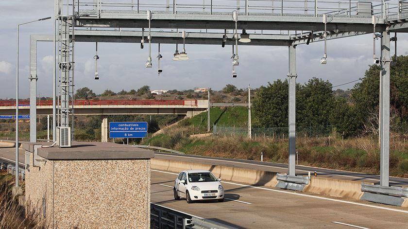 """Utentes da Via do Infante consideram redução do preço das portagens """"insuficiente"""""""