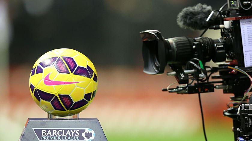 Mercado de transferências na Premier League vai voltar a fechar mais cedo